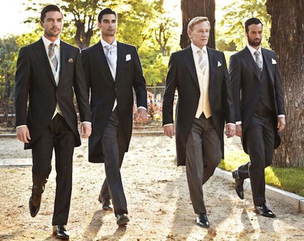 Traje negro boda de tarde